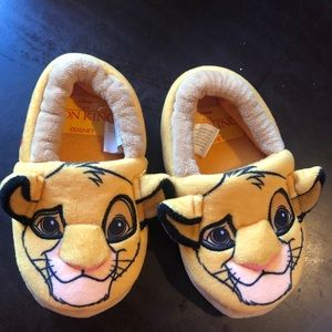 The Lion King Simba slippers size 5-6 kids